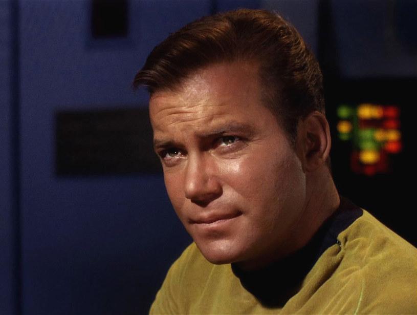 """William Shatner jako kapitan James T. Kirk w serialu """"Star Trek"""" z lat 60. - to jedna z najbardziej kultowych ról w historii telewizji i popkultury jako takiej /CBS Photo Archive  /Getty Images"""