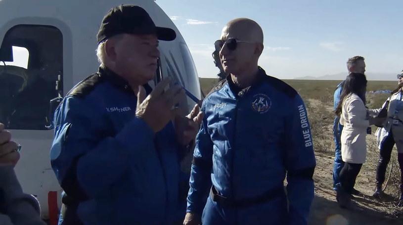 William Shatner (L) i Jeff Bezos (P) /PAP/EPA