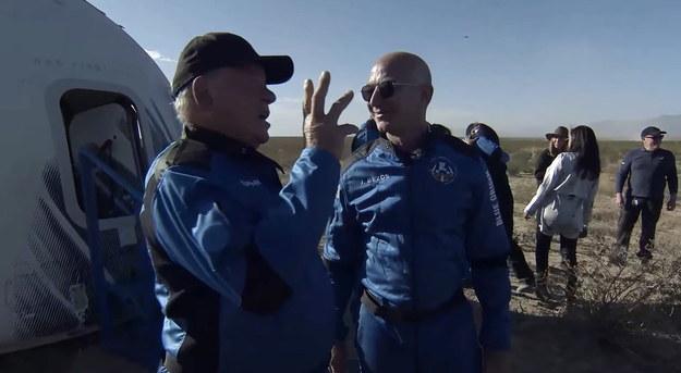 William Shatner po wyjściu z kapsuły /BLUE ORIGIN HANDOUT /PAP/EPA