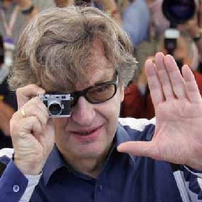 Wim Wenders jest zapalonym kinomanem /AFP