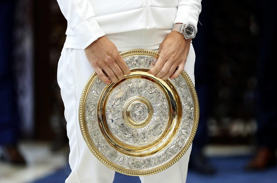 Wimbledon - mimo odwołania imprezy do tenisistów trafi 10 milionów funtów /ROBERT GHEMENT /PAP/EPA