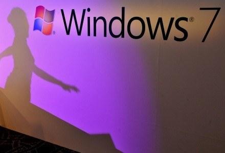 Windows 7 odbiera udziały w rynku swojemu najgroźniejszemu rywalowi... Windowsowi XP /AFP