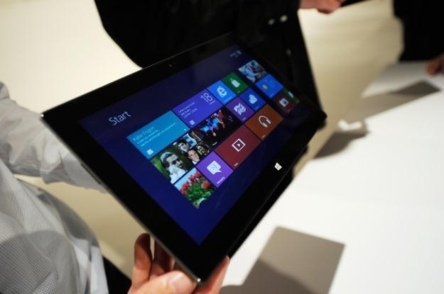 Windows 8 namiesza w rankingach popularności systemów operacyjnych /AFP