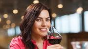 Winny savoir-vivre: Jak podawać wino? Jak je pić?