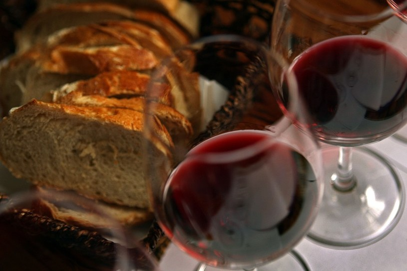 Wino sposobem na długowieczność? /Getty Images