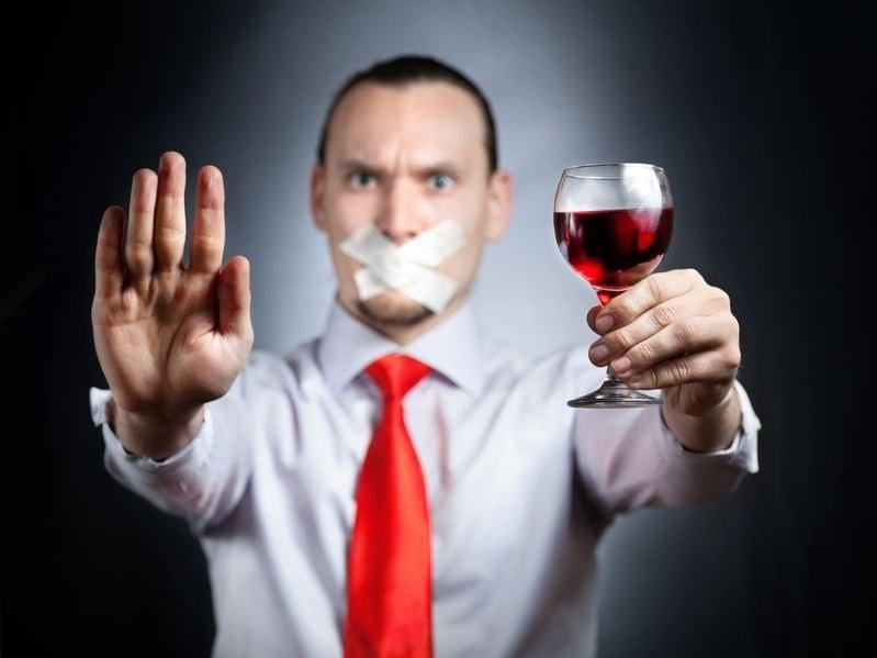 Wino w proszku? To nie przejdzie - twierdzą miłośnicy tego trunku /123RF/PICSEL
