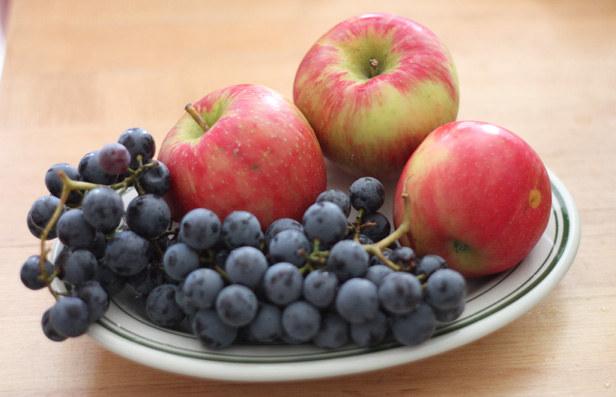 winogrona jabłka maseczka /© Photogenica