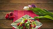 Wiosenna sałatka truskawkowa