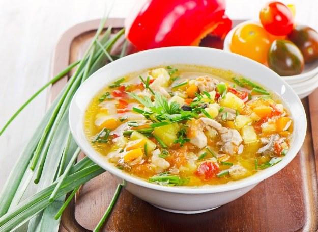 Wiosenne zupy smakują najlepiej! /123RF/PICSEL