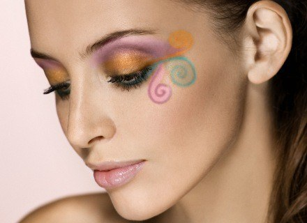 Wiosenno-letni makijaż firmy Bell /materiały prasowe