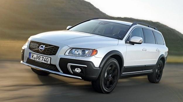 Wiosną br. modele Volvo z serii 60, 70 i 80 poddano modernizacji. Teraz ich oferta silnikowa uzupełniana jest o nowe jednostki. Na zdjęciu: Volvo XC70. /Volvo
