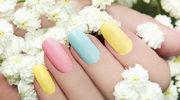 Wiosną i latem paznokcie noś w kolorach tęczy