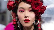 Wiosna w makijażu - metaliczne usta i kolorowe rzęsy