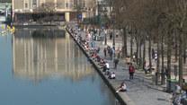 Wiosna zawitała do Europy. Paryżanie wygrzewają się w wiosennym słońcu