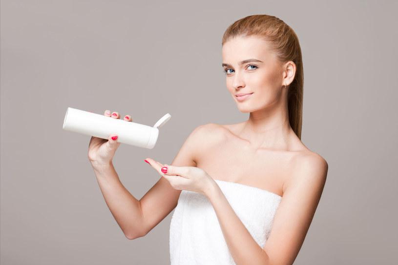 Wiotczenie skóry jest efektem naturalnych procesów starzenia /123RF/PICSEL