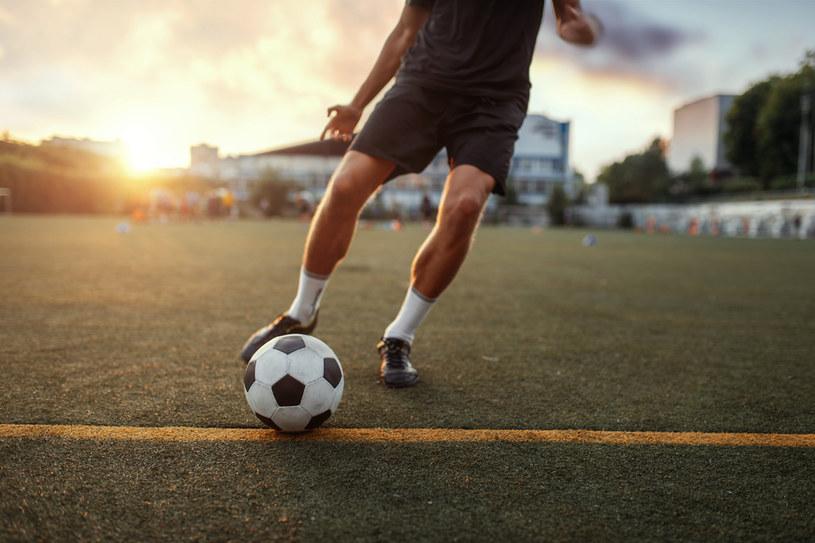 Wir pyłowy zakłócił mecz piłki nożnej /123RF/PICSEL