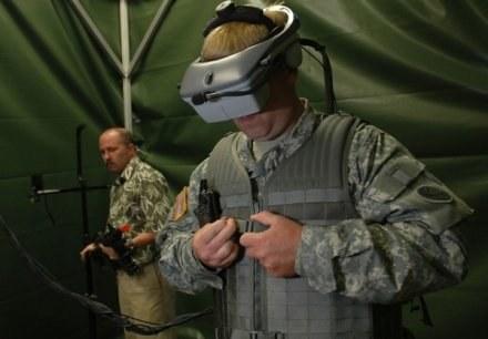 Wirtualny trening żołnierza USA przed wyjazdem do Iraku /AFP