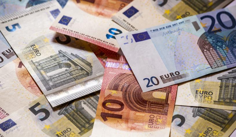Wirus spowoduje 350 mld euro strat banków. /123RF/PICSEL