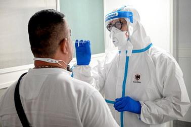 """Wirusolog oskarża władze Chin i WHO. """"Koronawirus nie wywodzi się z przyrody"""""""