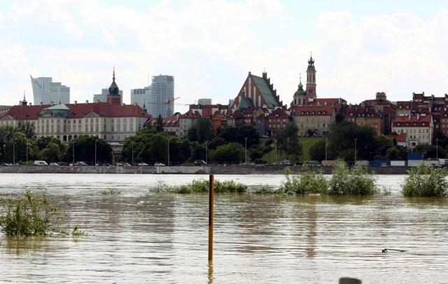 Wisła w Warszawie - widok z praskiej strony /Tomasz Gzell /PAP