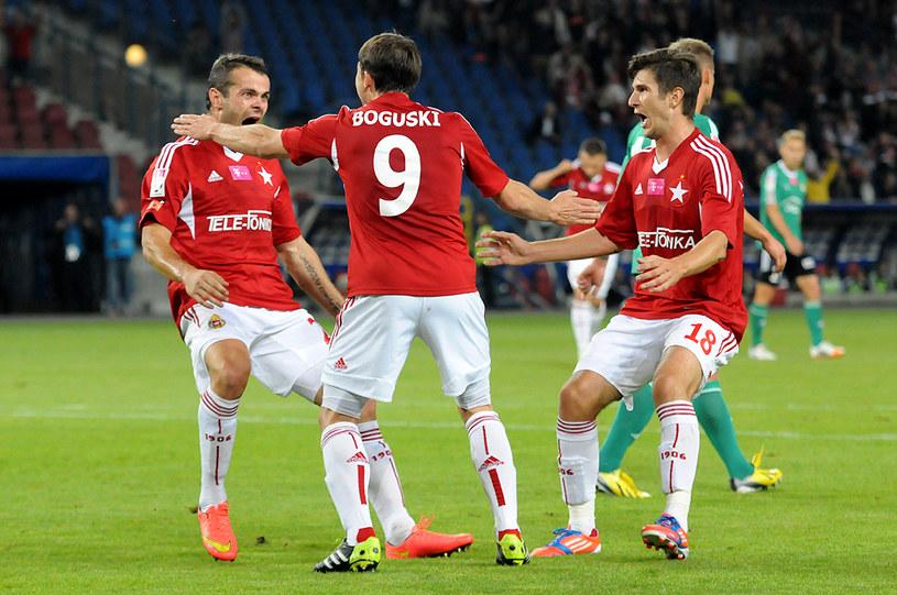 Wiślacy (od lewej: Paweł Brożek, Rafał Boguski i Semir Stilić) mają w tym sezonie radość z gry. /Joanna Żmijewska /INTERIA.PL