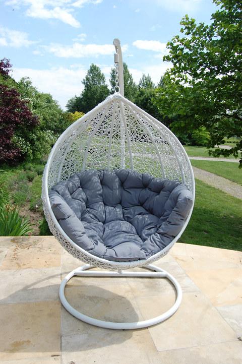 Wiszący fotel - idealny do relaksu /materiały prasowe