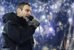 """Witalij Kliczko przemawiał do tłumu na Majdanie. """"Pójdziemy do ataku"""""""