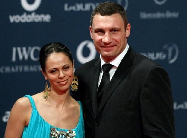 Witalij Kliczko z żoną Natalią Egorową /AFP