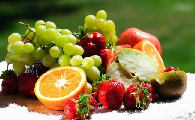 Witaminy w owocach i warzywach /© Photogenica