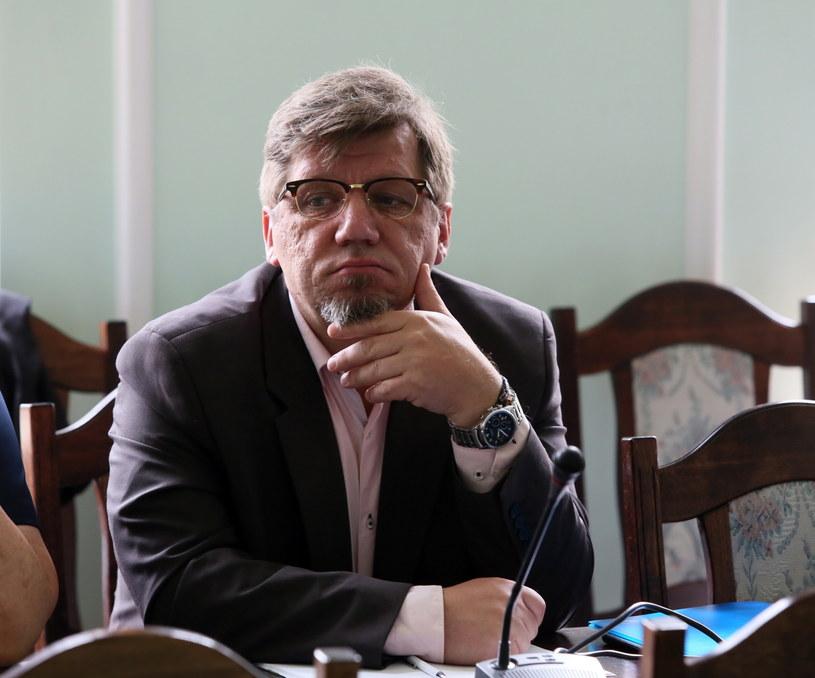 Witold Kołodziejski podczas posiedzenia sejmowej komisji kultury i środków przekazu /Tomasz Gzell /PAP
