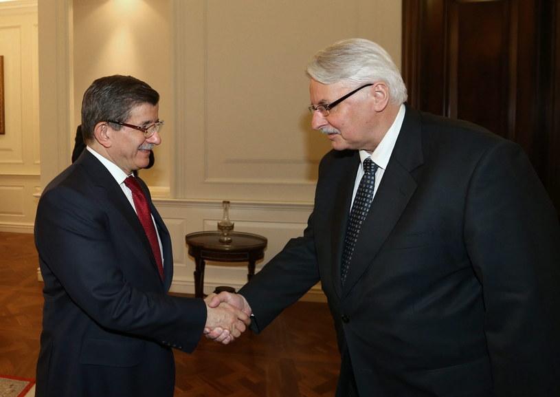 Witold Waszczykowski z premierem Turcji /PAP/EPA