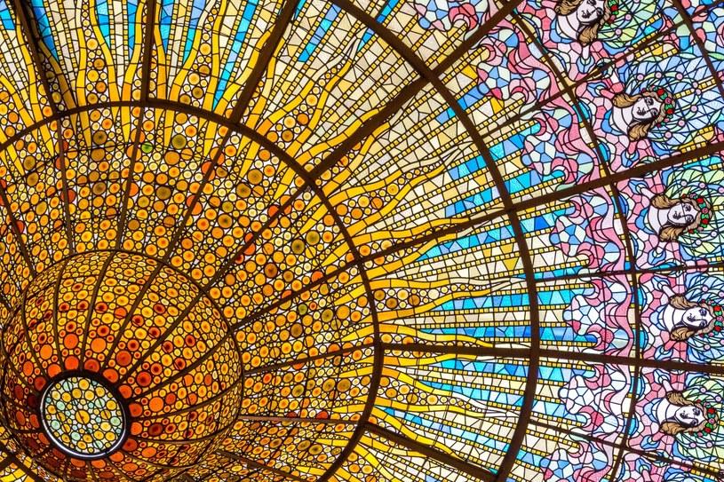 Witraż w Pałacu Muzyki Katalońskiej /Adobe Stock