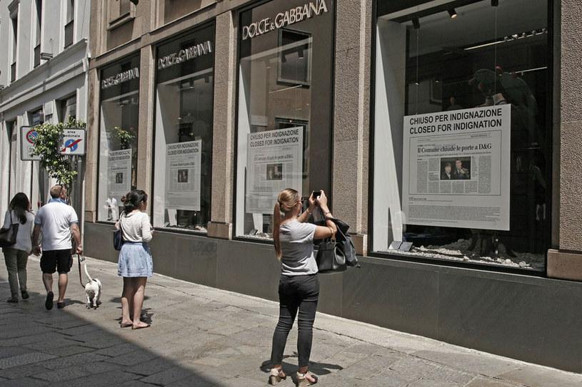 Witryna jednego ze sklepów Dolce&Gabbana w Mediolanie /Splashnews/Eastnews