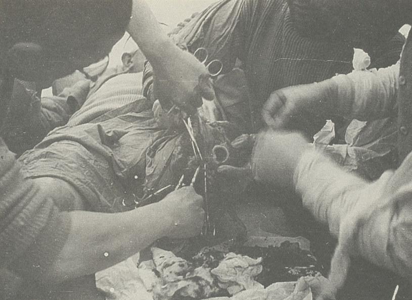 Wiwisekcja prowadzona przez Japończyków na więźniu. /Yan-Jun Yang, Yue-Him Tam / medi/EAST NEWS /East News