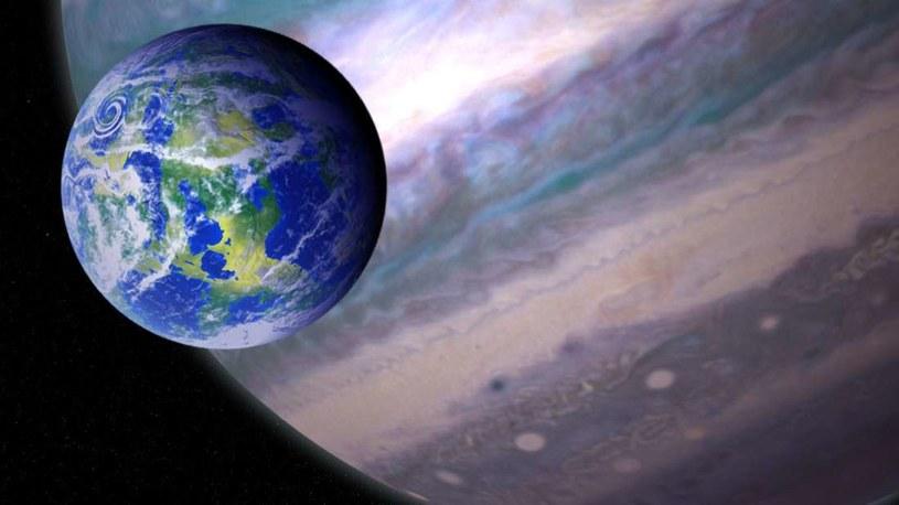 Wizja artystyczna potencjalnie nadającego się do rozwoju życia egzoksiężyca /materiały prasowe