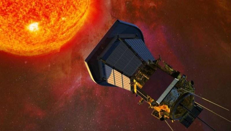Wizja artystyczna sondy Parker Solar Probe badającej Słońce /materiały prasowe