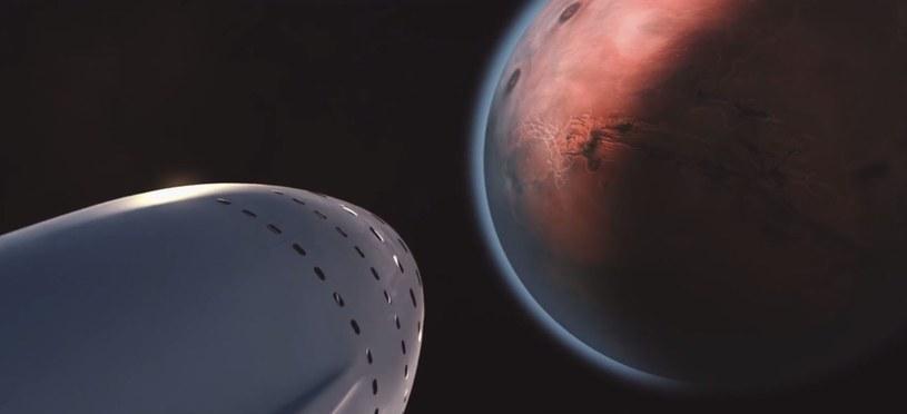 Wizja statku SpaceX zbliżającego się do Marsa /YouTube