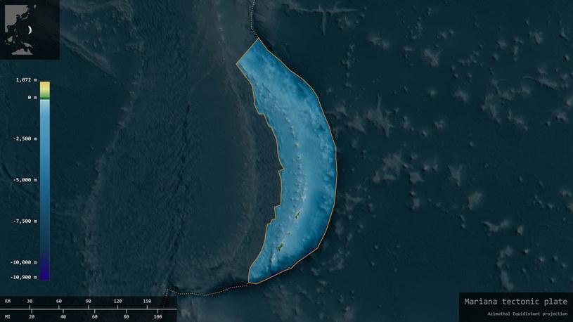 Wizualizacja mająca przypominać Rów Mariański, najgłębszy znany człowiekowi rów oceaniczny. Jest on położony w zachodniej części Oceanu Spokojnego /123RF/PICSEL