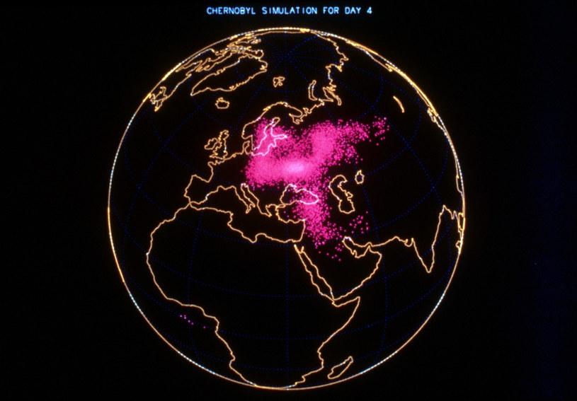 Wizualizacja prawdopodobnego zasięgu skażenia 4 dni po wybuchu reaktora /East News