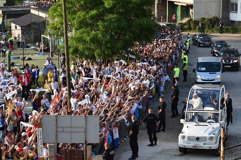 Wizyta Franciszka w Bośni i Hercegowinie /GABRIEL BOUYS /AFP