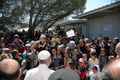 Wizyta papieża na Lesbos. Spotkał się m.in. z uchodźcami
