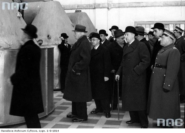 Wizyta prezydenta RP Ignacego Mościckiego w Państwowej Fabryce Związków Azotowych w Mościcach, 1938 r. /Z archiwum Narodowego Archiwum Cyfrowego