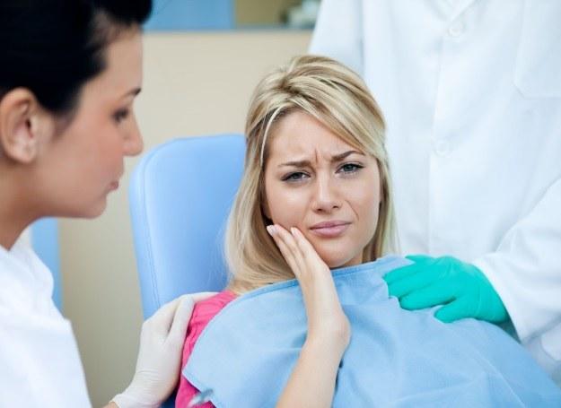 Wizyta u dentysty podczas wakacji? Możesz temu zapobiec! /123RF/PICSEL