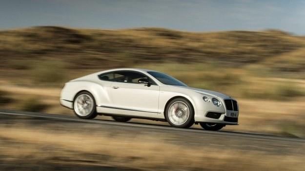 Wizytówką Continentala GT V8 S jest polakierowany na czarno wlot powietrza i 20-calowe obręcze. /Bentley