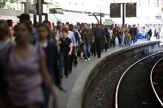 Wizytówką każdej kolei jest dworzec oraz usługa dworcowa /AFP