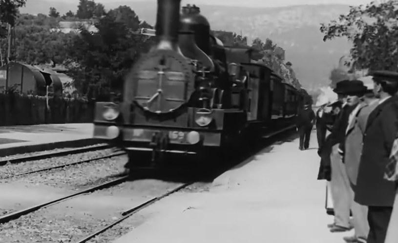 """""""Wjazd pociągu na stację w La Ciotat"""" w wersji 4K. Kanał YouTube: Denis Shiryaev /YouTube"""