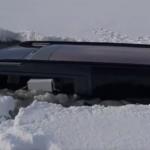 Wjechał autem na zamarznięte jezioro. Lód nie wytrzymał