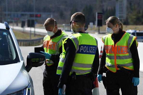 Wjeżdżający do Niemiec muszą odbyć dwutygodniową kwarantannę /Andreas Gebert /Getty Images