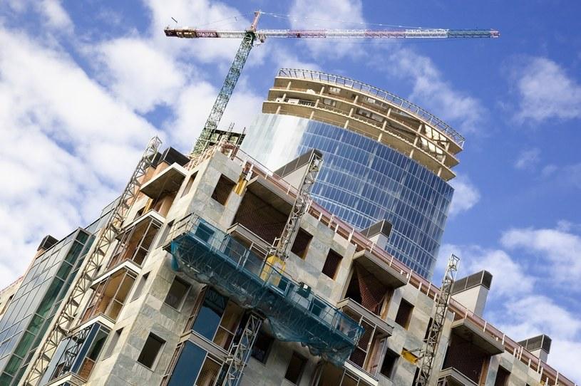 Wkład własny na poziomie 30 proc. przekreśla szansę na zakup mieszkania przez wiele osób. /123RF/PICSEL