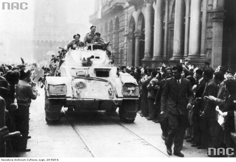 Wkroczenie polskich oddziałów 2 Korpusu Polskiego do Bolonii, 21.04.1945 /Z archiwum Narodowego Archiwum Cyfrowego